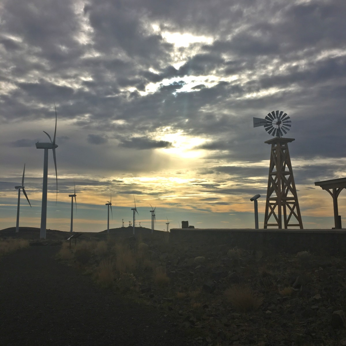 A windfarm you can visit in Washington State (Wild Horse Wind and Solar Facility, Ellensburg)